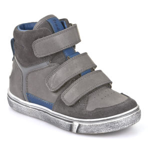 Children's personalized sneakers picture